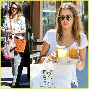 Jessica Alba: Sunday Mall Stop