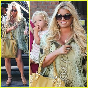 Jessica Simpson: King's Fish House Dinner with Family!