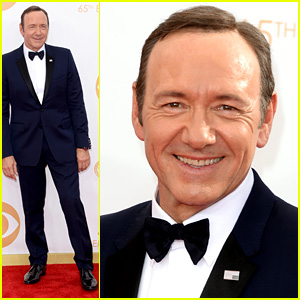 Kevin Spacey Smacks Camera at Emmys 2013 - Watch Here!