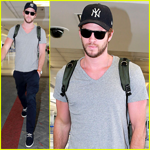 Liam Hemsworth Catches Flight After Kissing Eiza Gonzalez