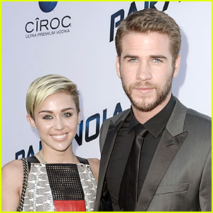 Liam Hemsworth Unfollows Miley Cyrus on Twitter After Split