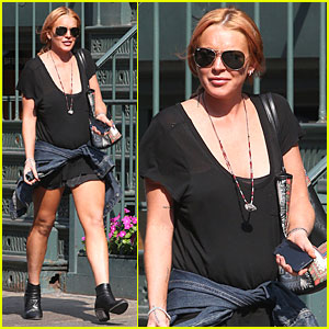 Lindsay Lohan: Leggy Lure Lunch!