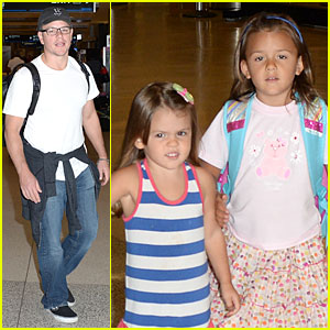 Matt Damon: Miami Vacation with Wife Luciana & Girls!