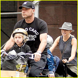 Naomi Watts & Liev Schreiber Bike Ride All Week in NYC!