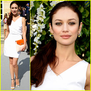 Olga Kurylenko: Christian Dior Paris Fashion Week Show!