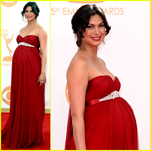 Pregnant Morena Baccarin - Emmys 2013 Red Carpet