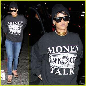 Rihanna Surpasses 4 Billion Views on Youtube!