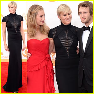 Robin Wright: Emmys 2013 Red Carpet with Dylan & Hopper!