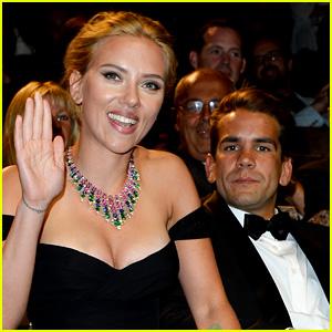 Scarlett Johansson: Engaged to Romain Dauriac!