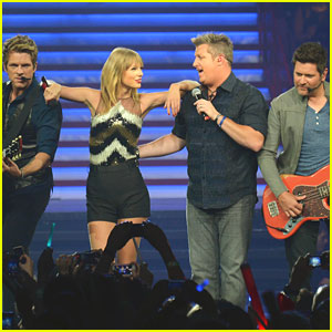 Taylor Swift: 'What Hurts The Most' with Rascal Flatts!