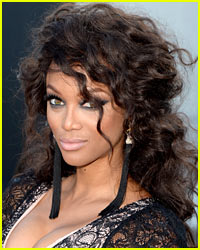 Tyra Banks Shows Off Hot Bikini Body