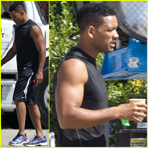 Will Smith Shows Off Buff Arms on 'Focus' Set!