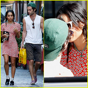Zoe Kravitz & Penn Badgley: Back Together in Rome!