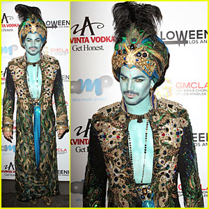Adam Lambert: Genie at Halloweenie Holiday Concert!