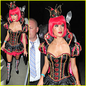 Alessandra Ambrosio: Queen of Hearts 'Alice in Wonderland' Costume!