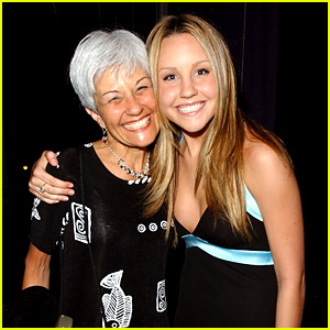 Amanda Bynes' Mom Breaks Silence on Daughter's Treatment