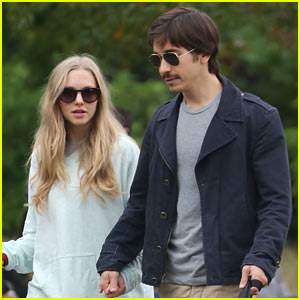 Amanda Seyfried Joins 'Fathers & Daughters' with Russell Crowe!