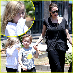 Angelina Jolie Shops in Queensland with the Kids!