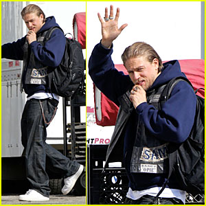 Charlie Hunnam: 'Pacific Rim' Gag Reel - Watch Now!