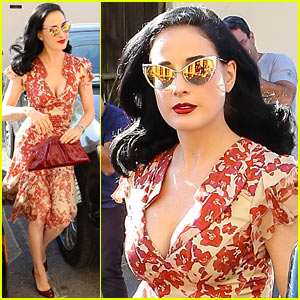 Dita Von Teese: I Look Ridiculous in Skinny Jeans!