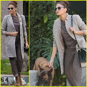 Eva Mendes Leads Hugo By His Collar in Los Angeles