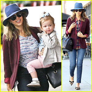 Jessica Alba & Haven Wrap Week with Whole Foods Flowers!