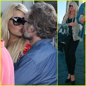 Jessica Simpson & Eric Johnson Scout Wedding Venues in Italy?