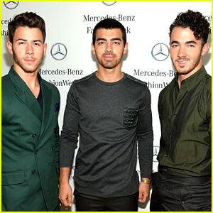 Jonas Brothers Delete Twitter Account, Breakup Rumors Heat Up