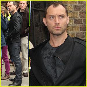 Jude Law: Free 30 Greenpeace Demonstration