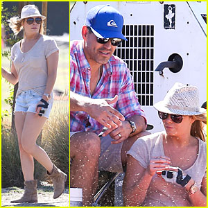 LeAnn Rimes: Hand Brace is Not My Best Fashion Accessory!