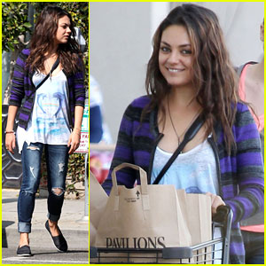 Mila Kunis: Grocery Shopping Gal