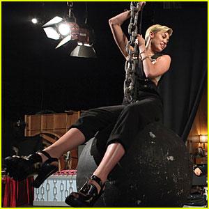 Miley Cyrus Talks Liam Hemsworth Split on 'Ellen'