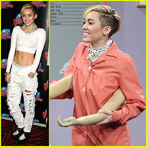 Miley Cyrus: Toned Abs for 'Bangerz' Album Signing!