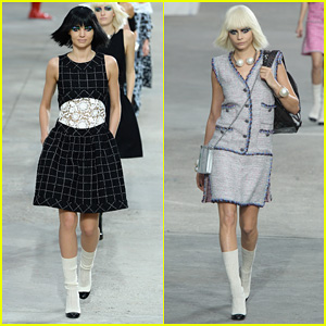 Miranda Kerr & Cara Delevingne: Chanel Fashion Show