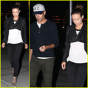 Olivia Wilde & Jason Sudeikis Are Pulled to Theaters By 'Gravity'!