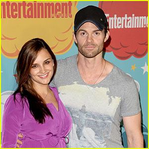Rachael Leigh Cook Names Baby Daughter Charlotte Easton!