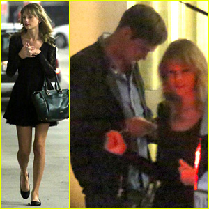 Taylor Swift & Alexander Skarsgard Dine with 'The Giver' Cast!