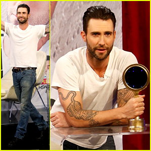 Adam Levine Accepts People's Sexiest Man Alive Award (Video)