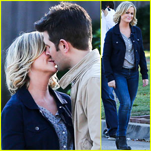 Amy Poehler & Adam Scott Share Kiss for 'Parks & Recreation'