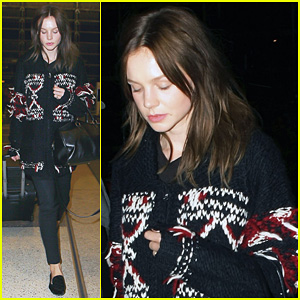 Carey Mulligan: Late Night LAX Arrival