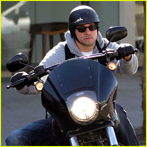 Charlie Hunnam: West Hollywood Motorcycle Man!