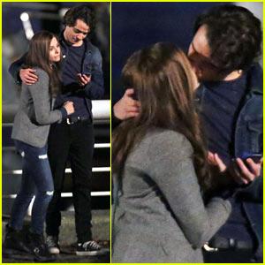 Chloe Moretz Kisses Co-Star Jamie Blackley for 'If I Stay'