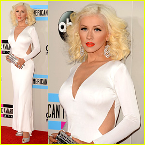 Christina Aguilera - AMAs 2013 Red Carpet