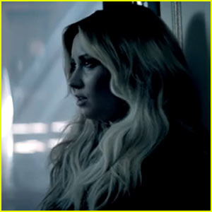 Demi Lovato's 'Let it Go' Video Premiere - Watch Now!