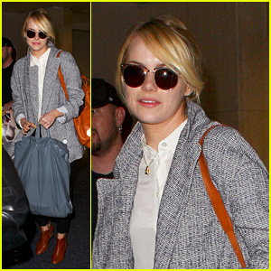 Emma Stone Heads to Los Angeles for Thanksgiving Weekend