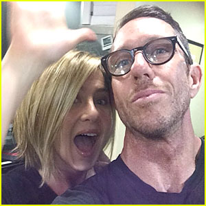 Jennifer Aniston Shows Excitement Over New Shorter Do!