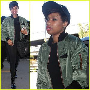 Jennifer Hudson Flies the Skies After Walk of Fame Ceremony!