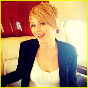 Jennifer Lawrence Chops Off Hair, Debuts Pixie Cut