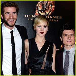 Jennifer Lawrence & Liam Hemsworth: 'Catching Fire' Paris Premiere!