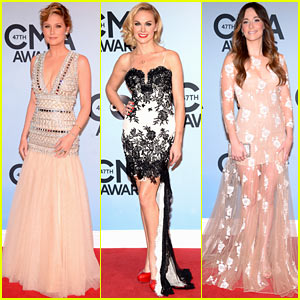 Jennifer Nettles & Kacey Musgraves - CMA Awards 2013 Red Carpet